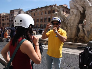 Edy explains about Fountain of Four Rivers in Rome