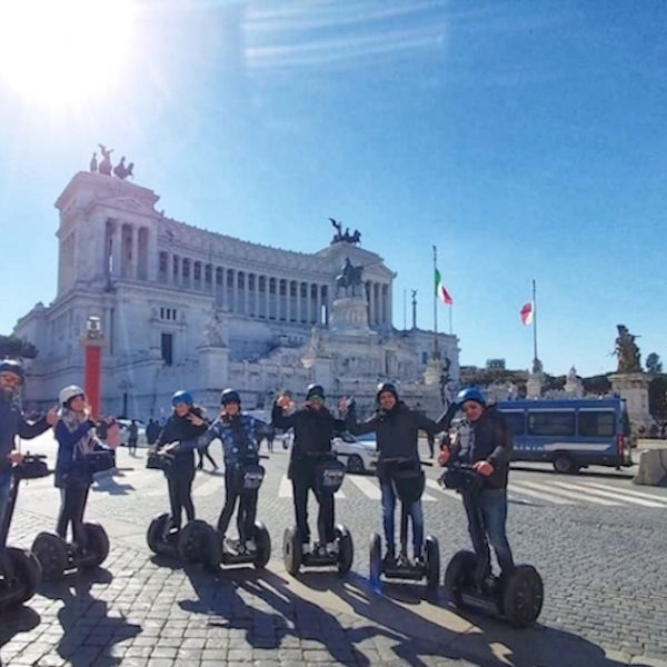 Group of friends at Piazza Venezia in Rome